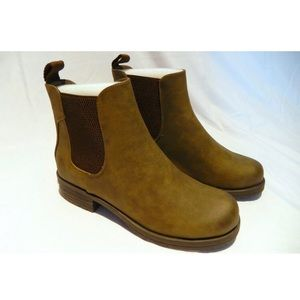 Call It Spring SWT16 Chelsea Boot Women's Size 7.5